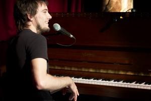Sicher am Piano: Peter Fischer